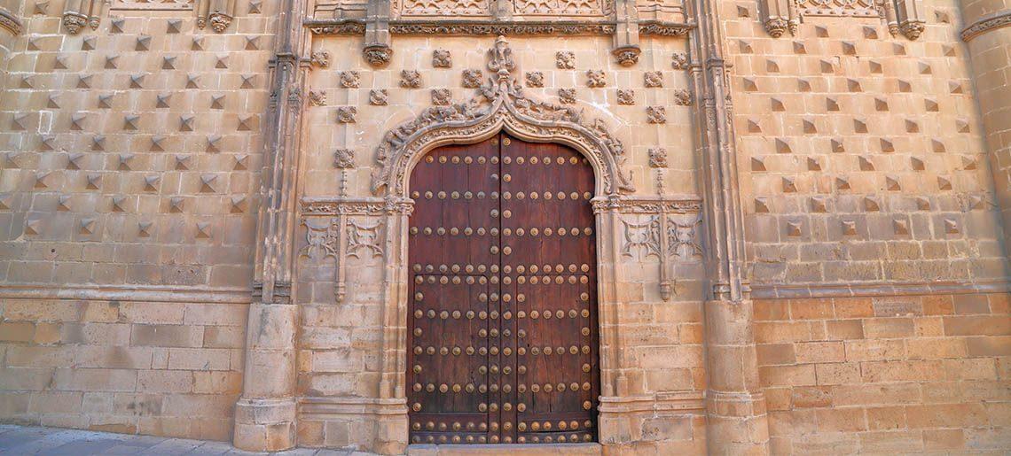 Puerta Renacentista - Tours Jaen